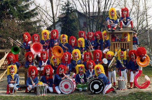 1984-1985 Winzerblusen und Masken